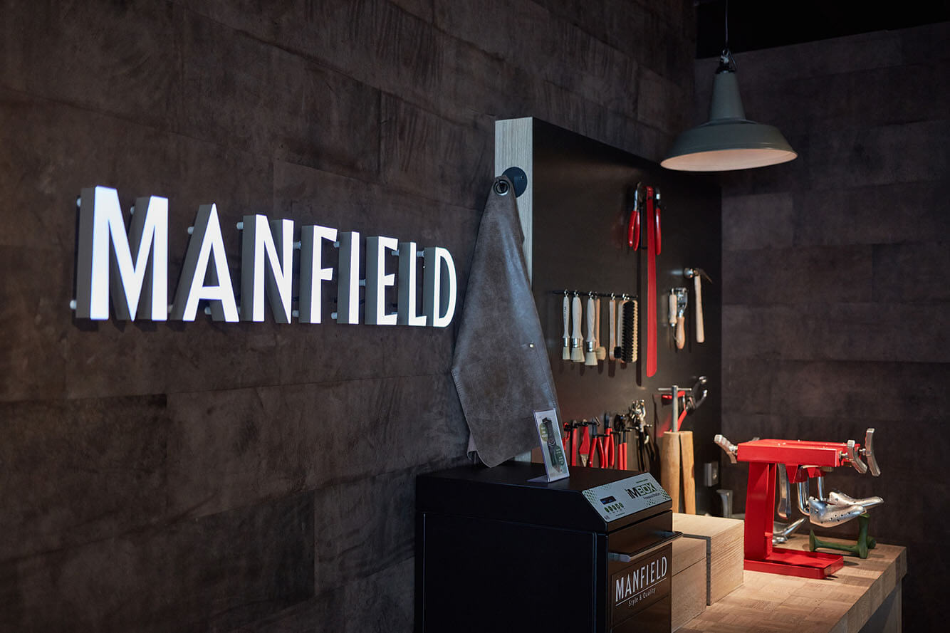 manfield-02